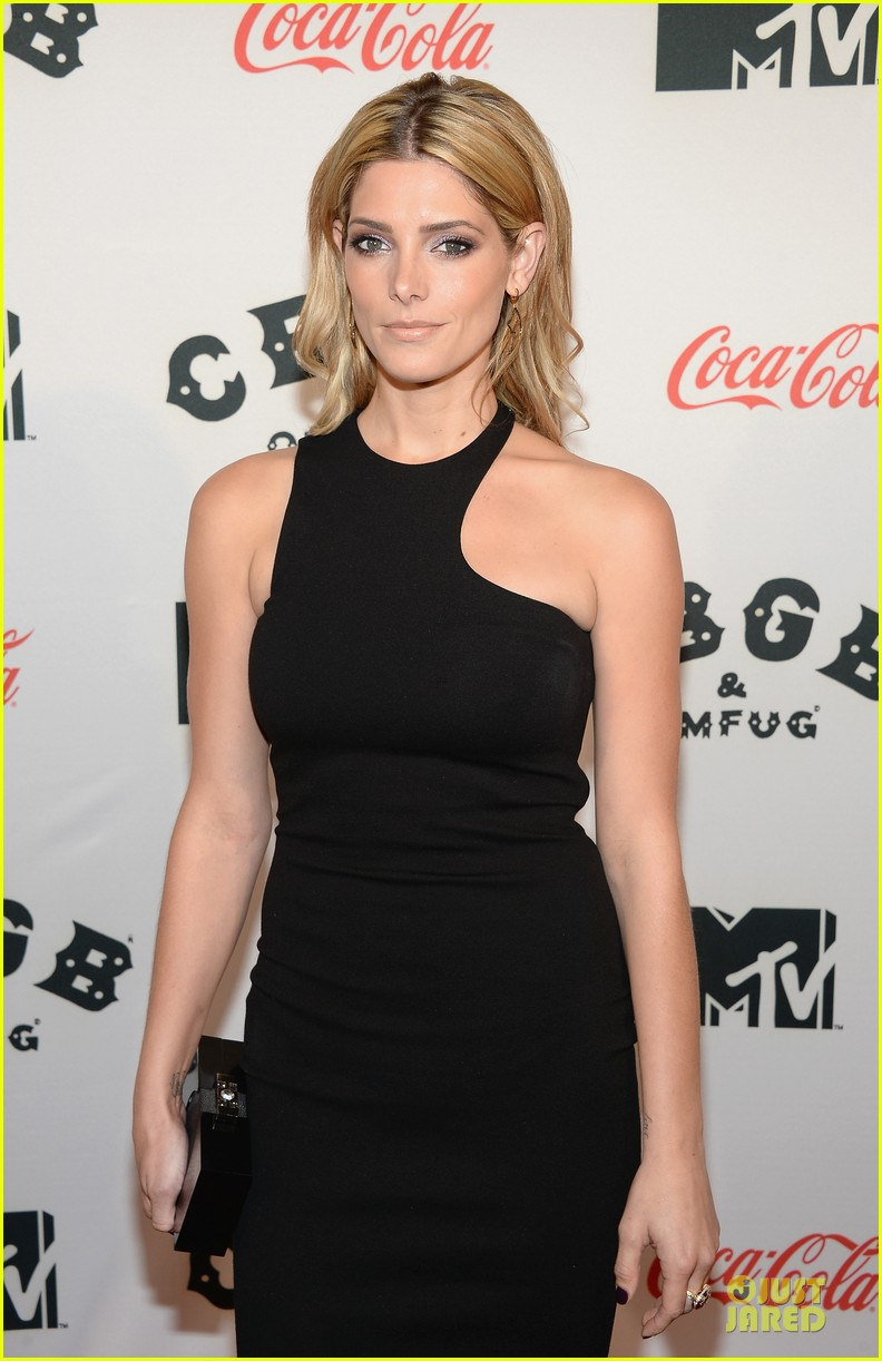 ashley greene stana katic cbgb nyc premiere 152968613
