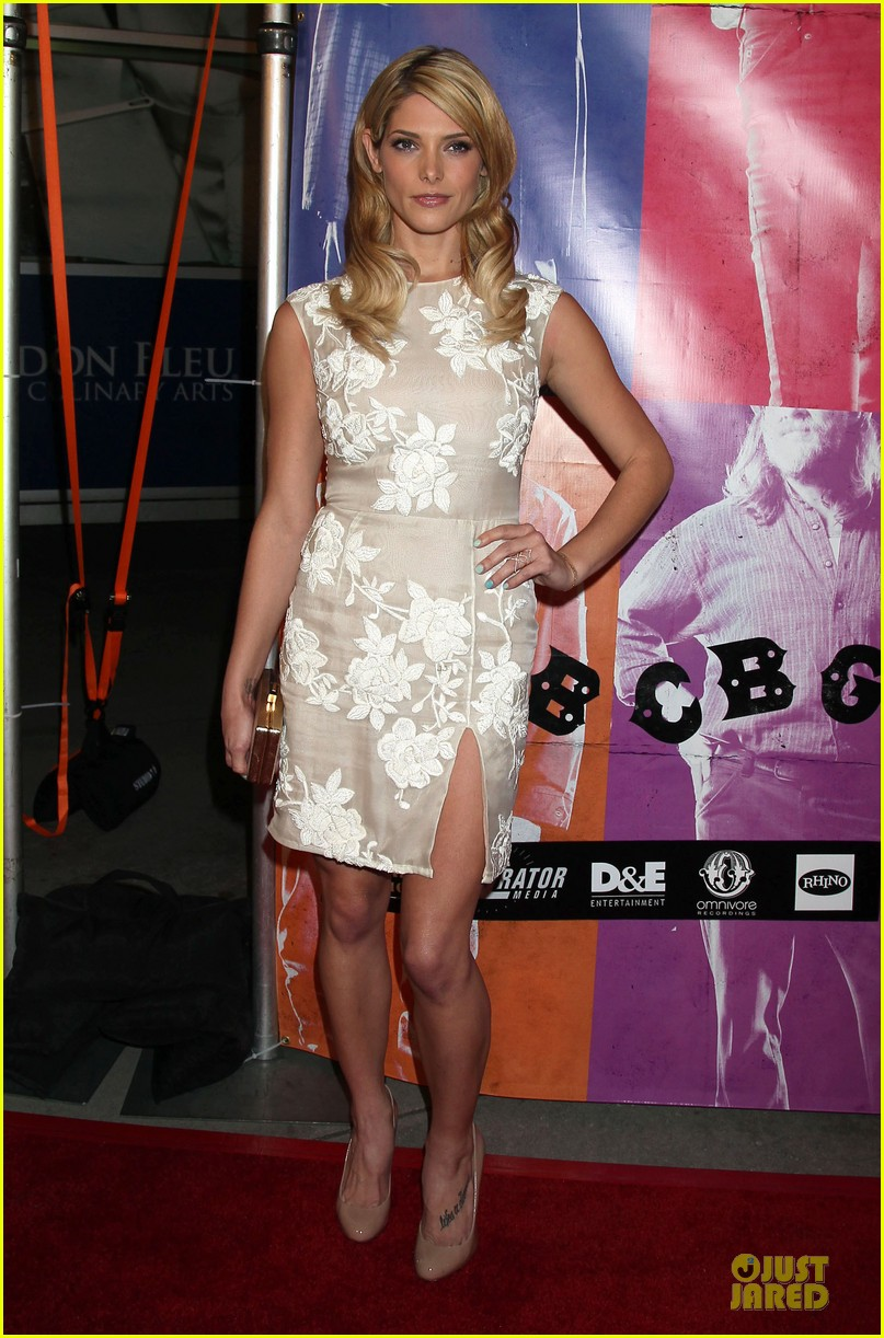 ashley greene malin akerman cbgb hollywood premiere 01