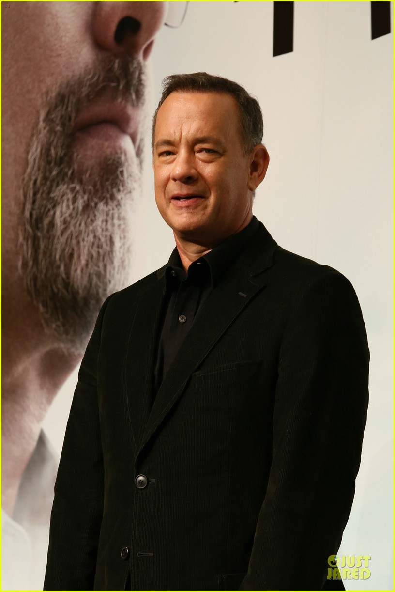 tom hanks captain phillips tokyo press conference 07