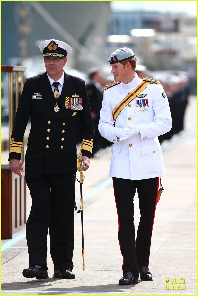 prince harry international fleet review in sydney 012966387