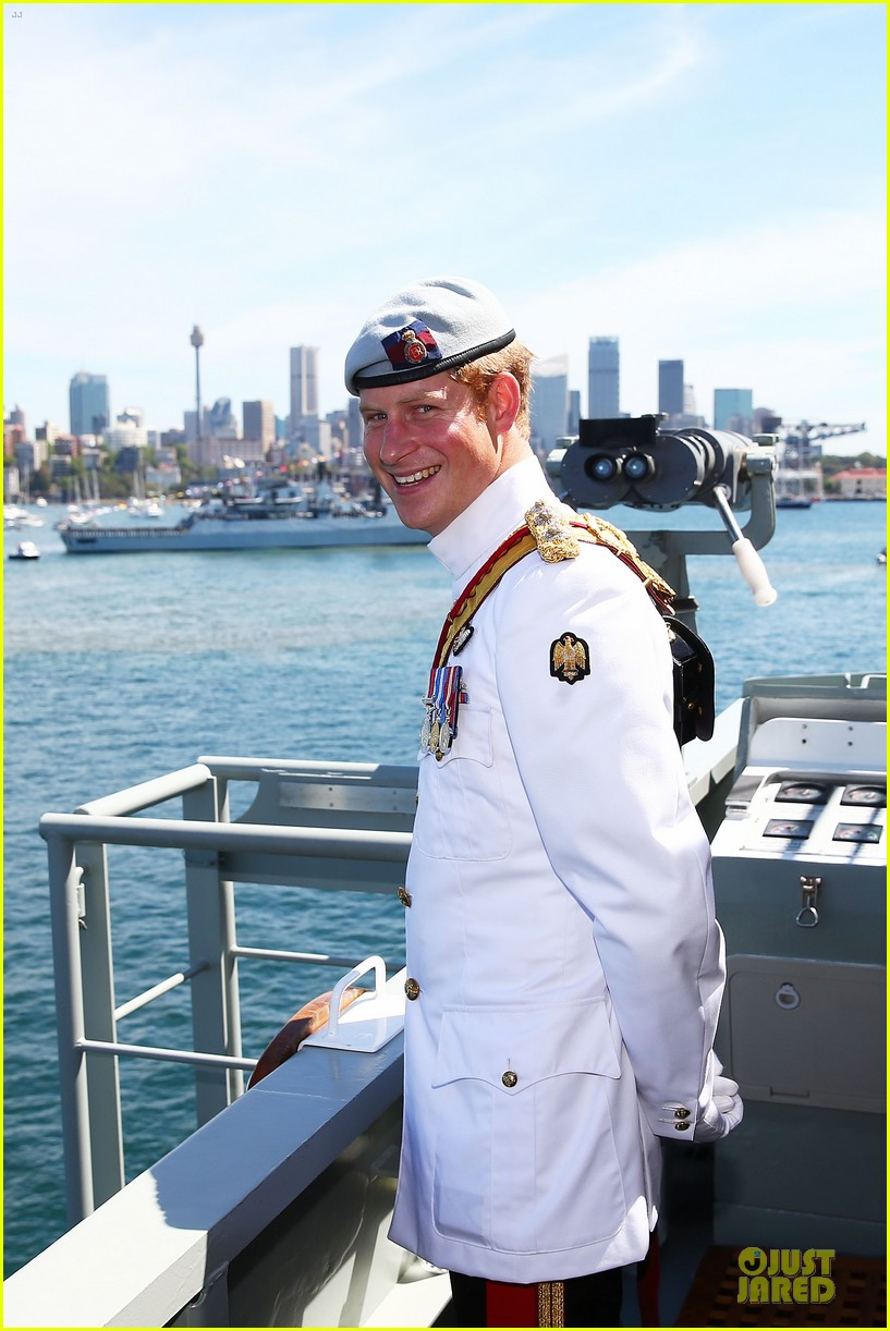 prince harry international fleet review in sydney 02