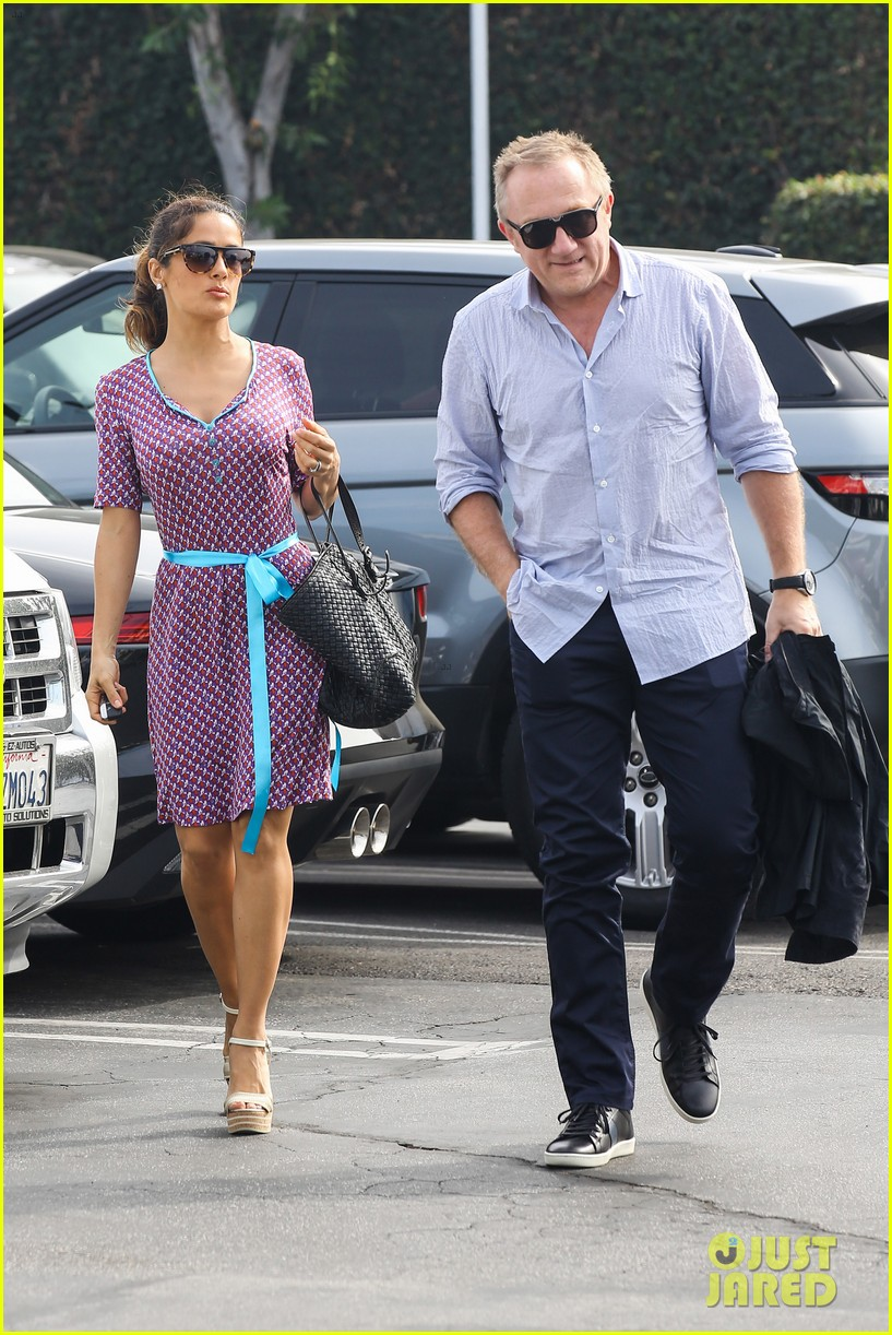 salma hayek fun filled weekend with the family 11