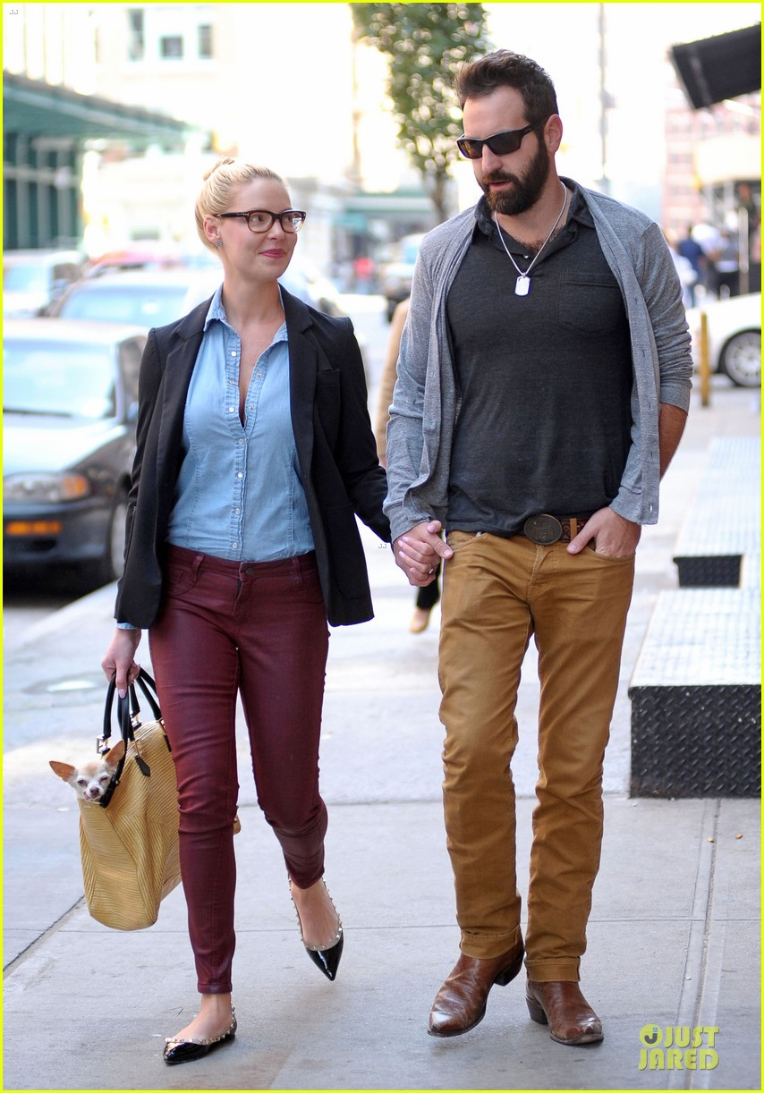 katherine heigl josh kelley hold hands after lunch 13
