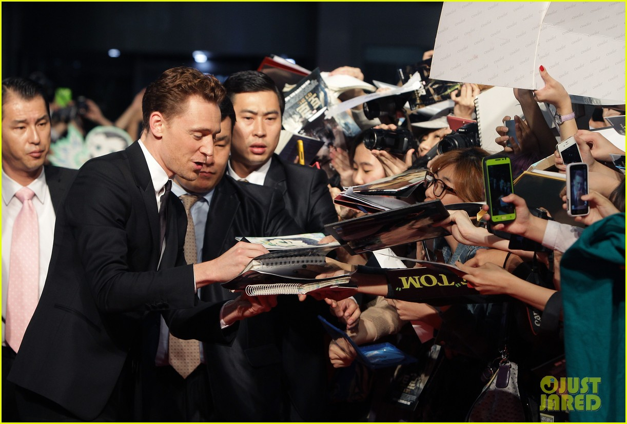 tom hiddleston thor the dark world south korea premiere 14