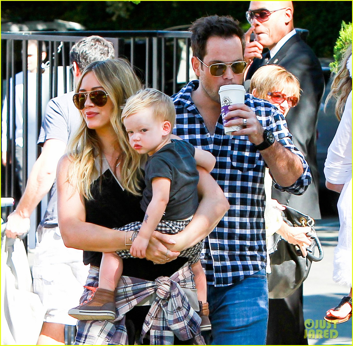 hilary duff mike comrie halloween party with luca 042976048