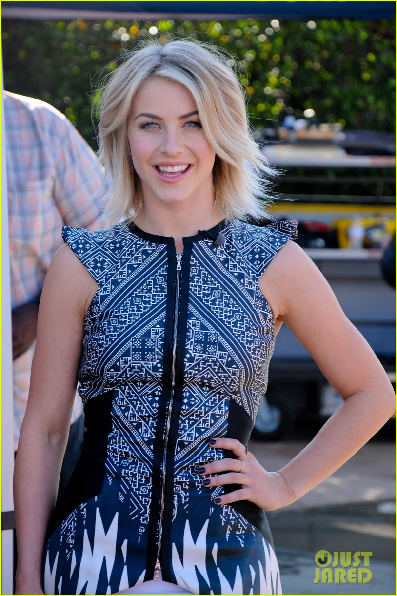julianne hough octavia spencer paradise promo work 132973389