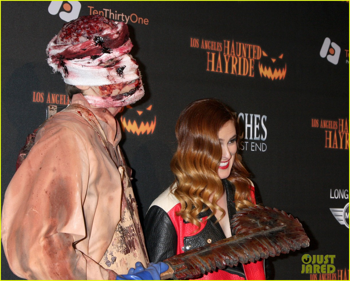 julianne hough rumer willis haunted hayride opening night 12