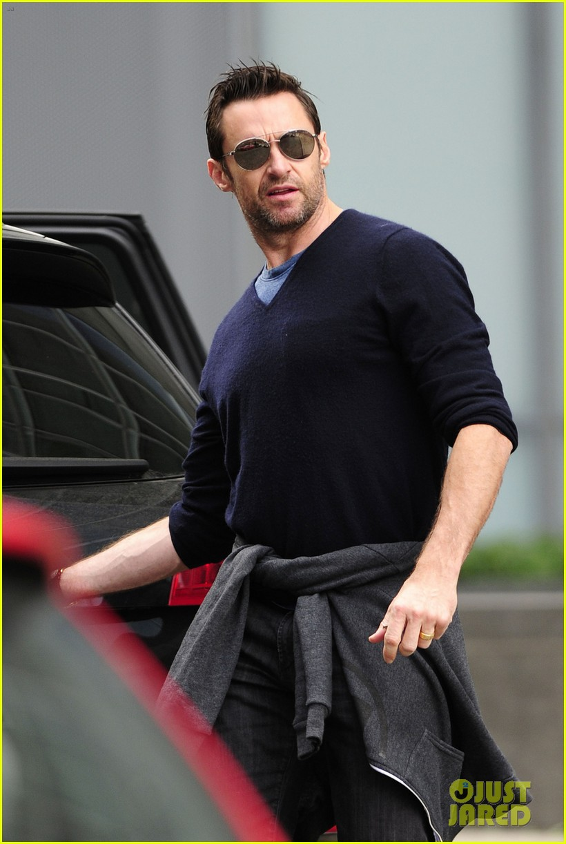 hugh jackman hangs with his mother in law 052975779