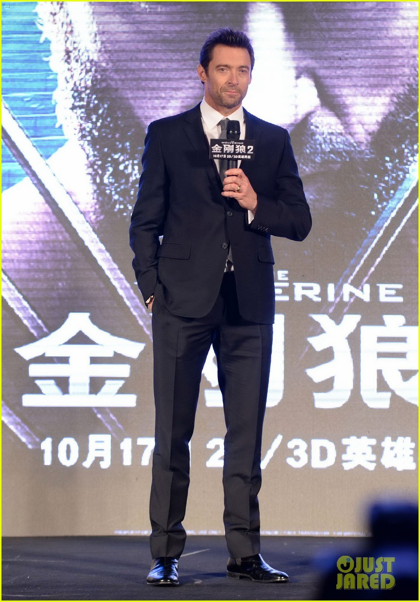 hugh jackman premieres the wolverine in china 11