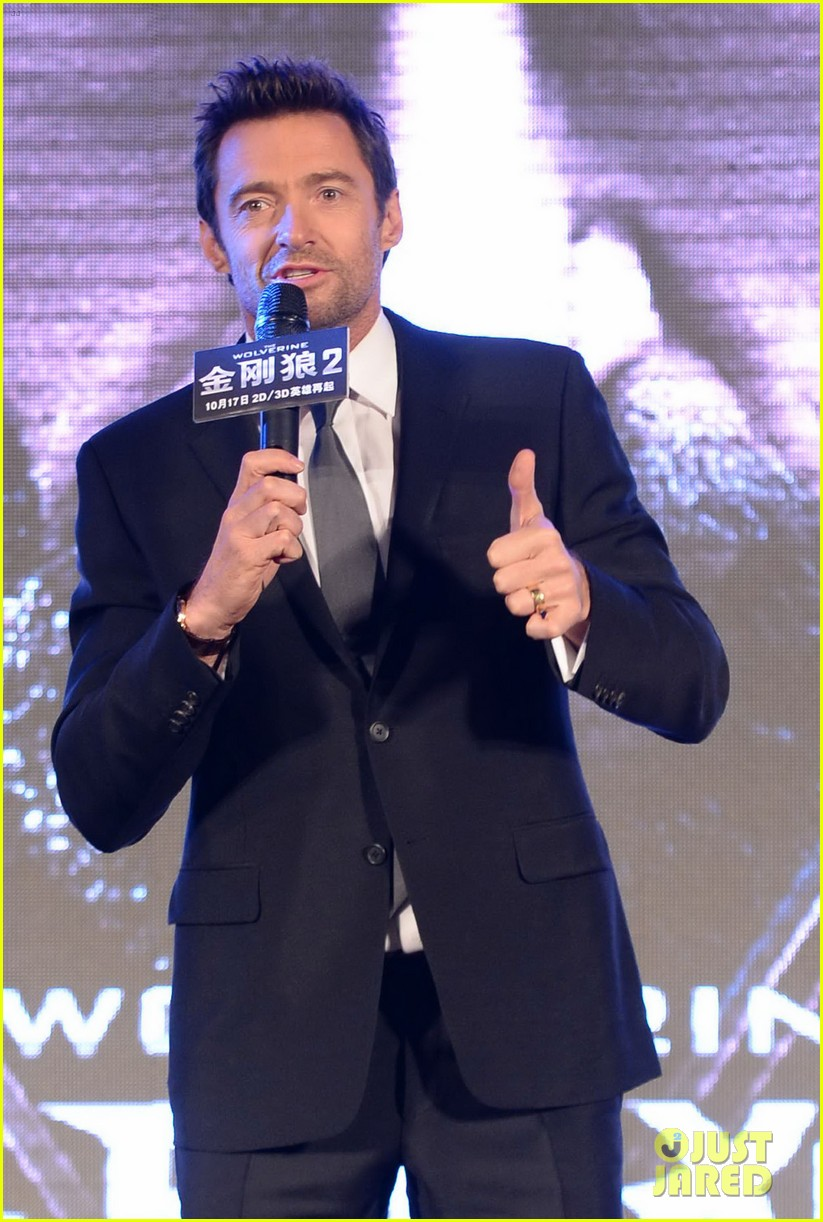 hugh jackman premieres the wolverine in china 13
