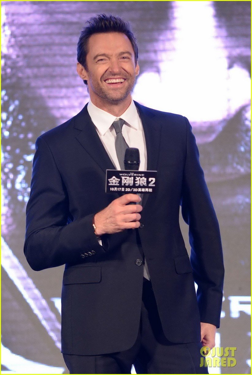 hugh jackman premieres the wolverine in china 16