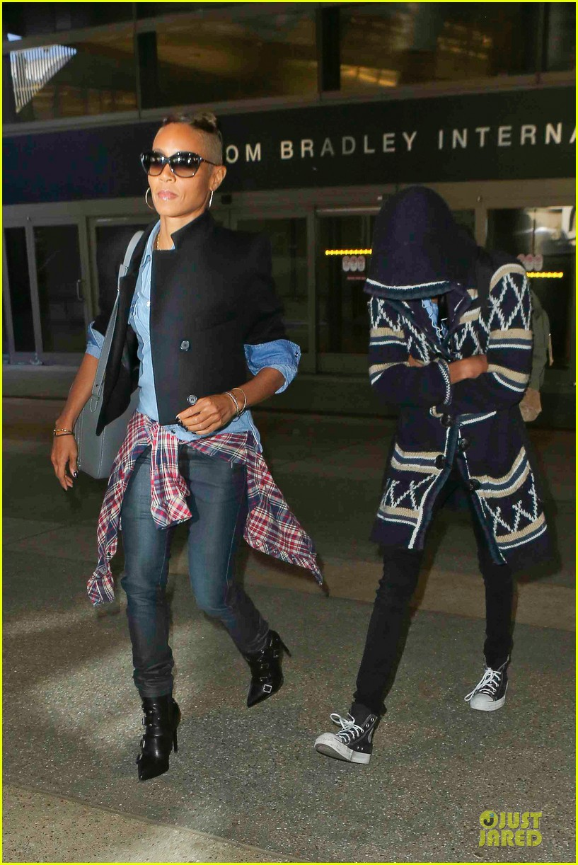 jada pinkett smith debuts new buzz hairdo 03