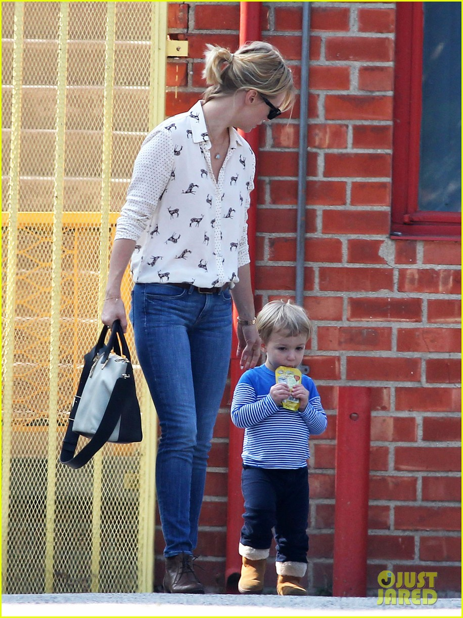 january jones gets in quality time with her son xander 06