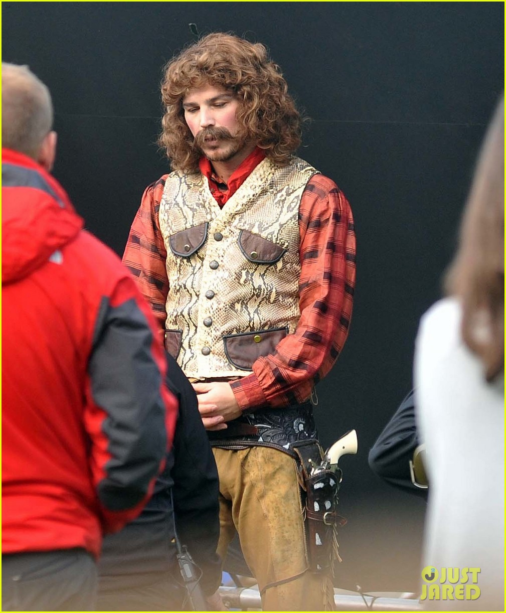 josh hartnett dons huge wig for penny dreadful 042966515