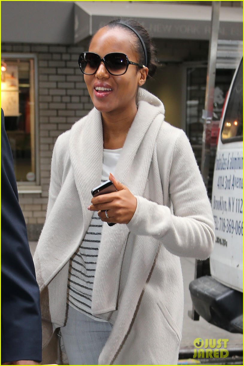 kerry washington emerges amidst pregnancy rumors 01