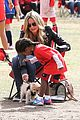 heidi klum reunites with ex husband seal gives him a kiss 09