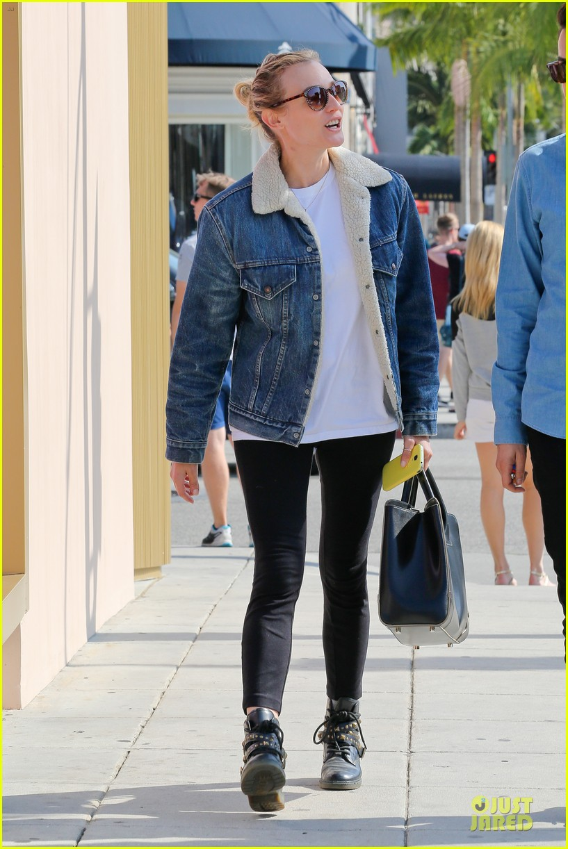 Diane Kruger Prepares for Fall with Denim Jacket!: Photo 2969816 ...