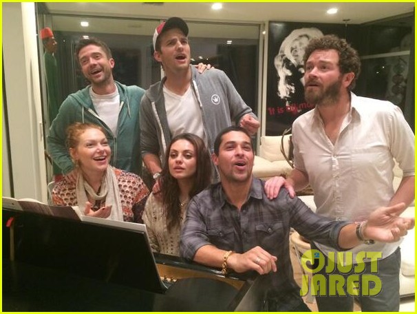 mila kunis ashton kutcher that 70s show reunion 012969103