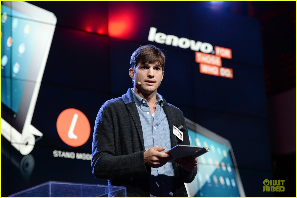ashton kutcher lenovo product engineer at yoga tablet launch 052982711