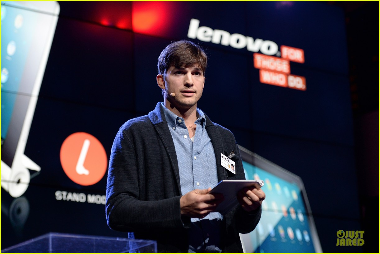 ashton kutcher lenovo product engineer at yoga tablet launch 112982717