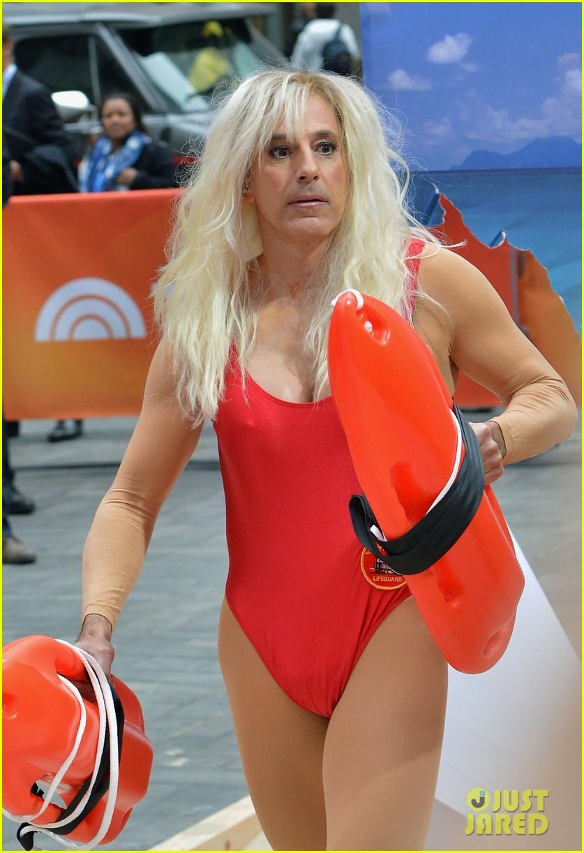 matt lauers pamela anderson baywatch halloween costume 06