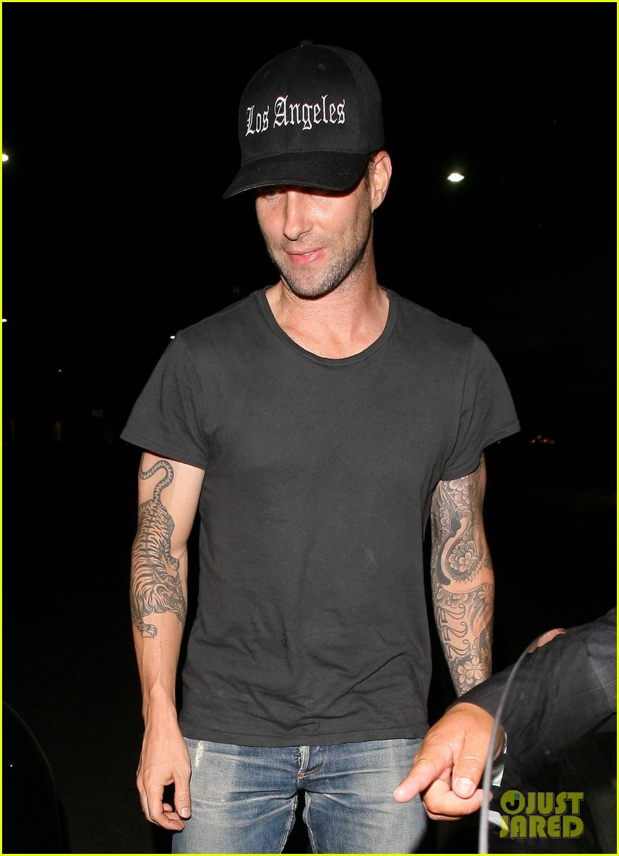 adam levine behati prinsloo mr chows date night 032963744