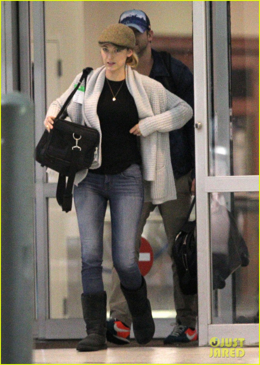 blake lively ryan reynolds touch down in new orleans 10