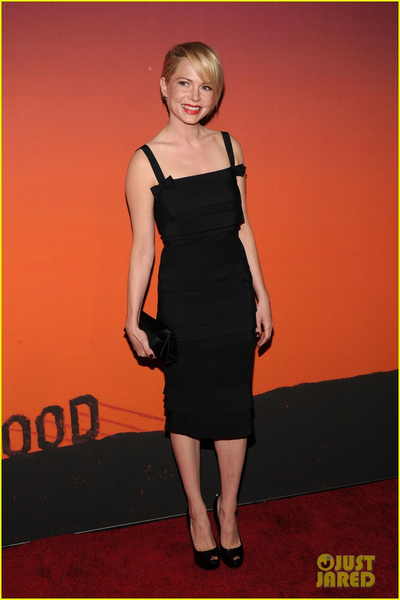 michelle williams dianna agron whitney museum gala 2013 07
