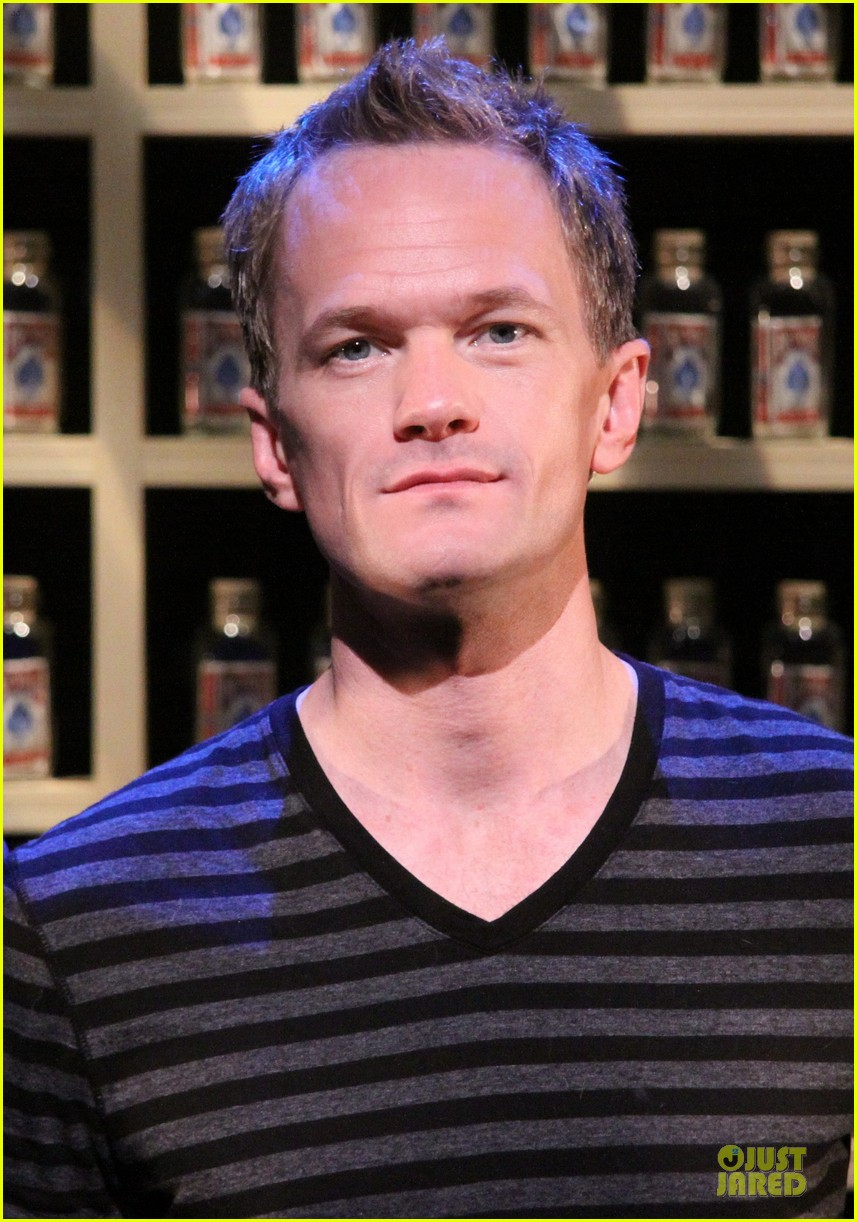 neil patrick harris nothing to hide nyc photo call 022976568