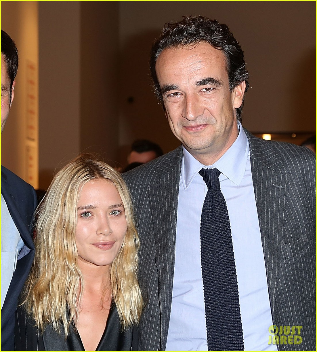 mary kate olsen olivier sarkozy take home a nude art auction 03