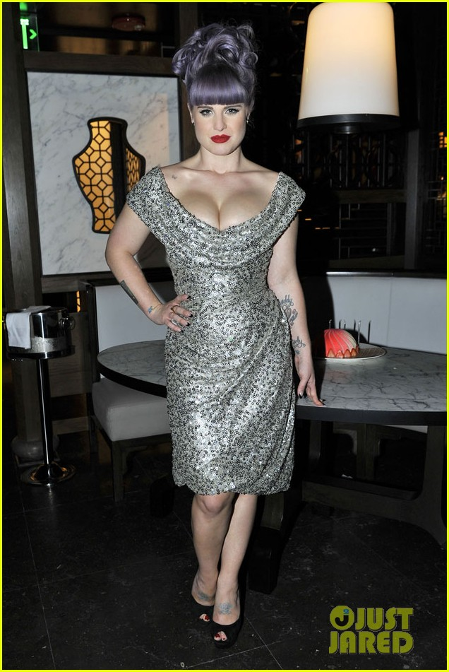 kelly osbourne celebrates birthday amid lady gaga feud 032981875