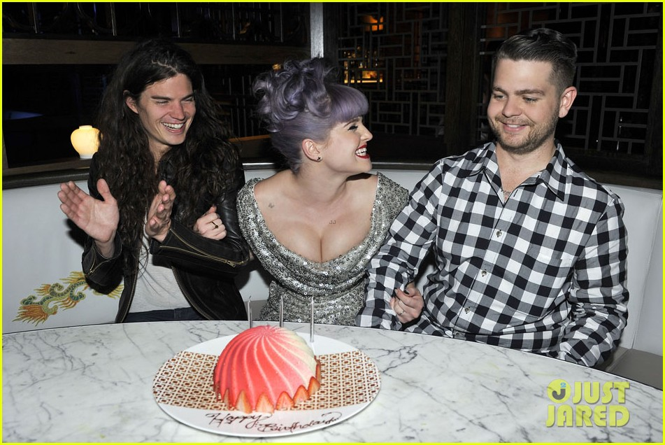 kelly osbourne celebrates birthday amid lady gaga feud 05