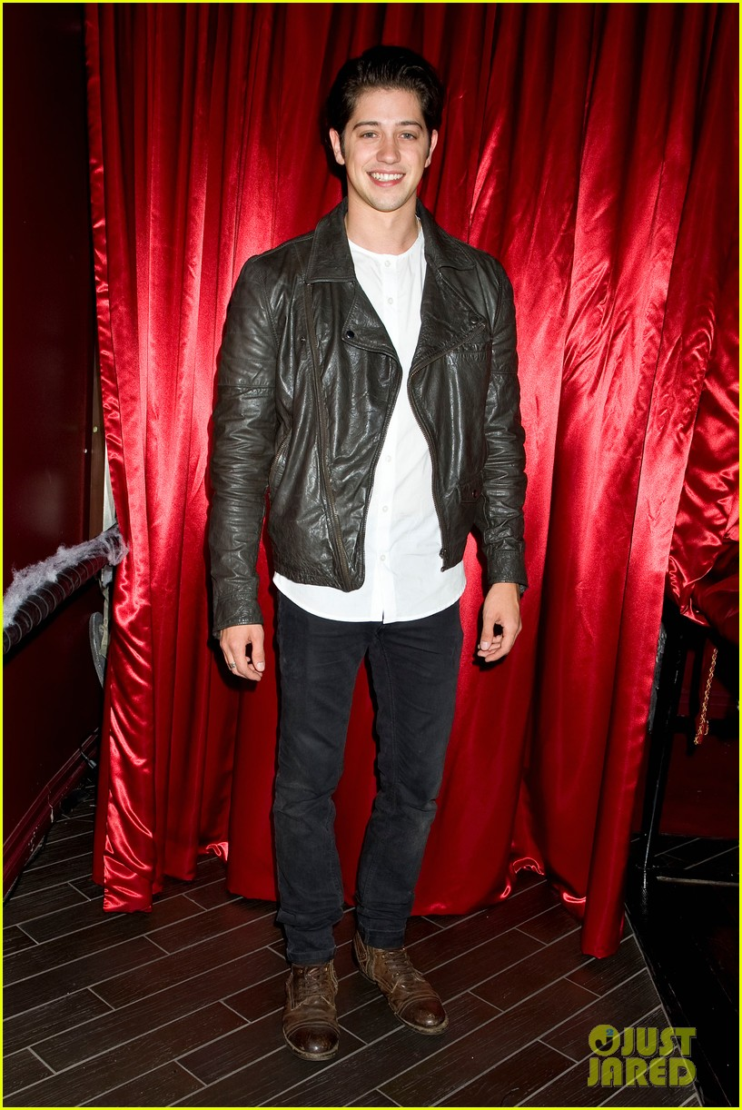 patrick schwarzenegger wilson bethel just jared halloween party 2013 04