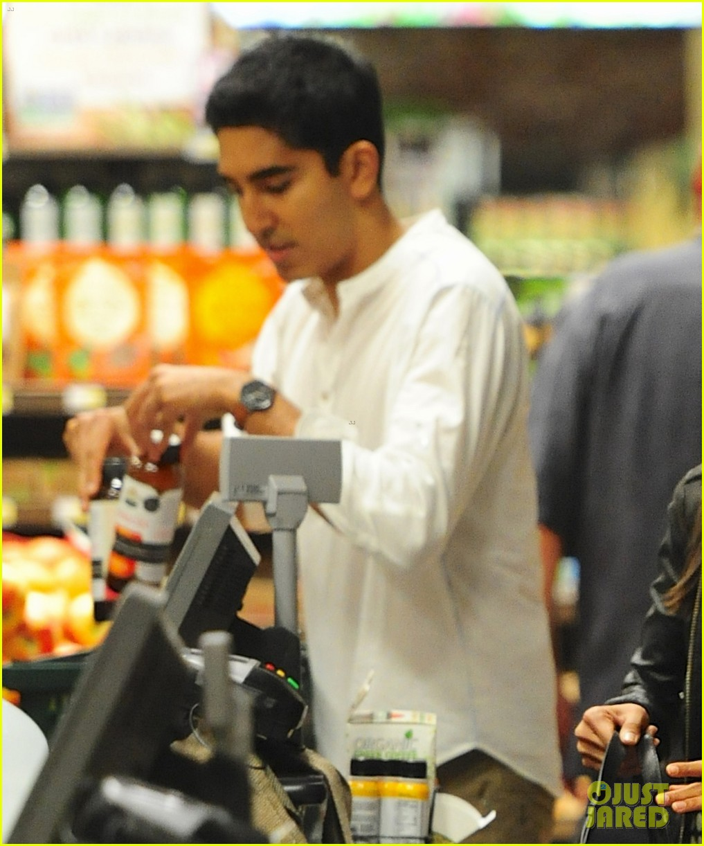 freida pinto dev patel late night grocery run 05