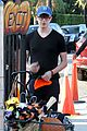 aubrey plaza goes pumpkin picking with dane dehaan 03