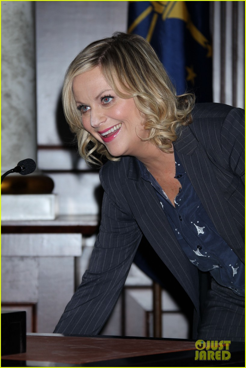 amy poehler parks recreation 100th episode celebration 11