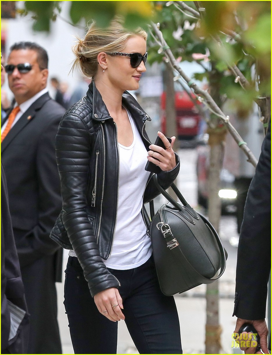 rosie huntington whiteley its expected for models to be real 07