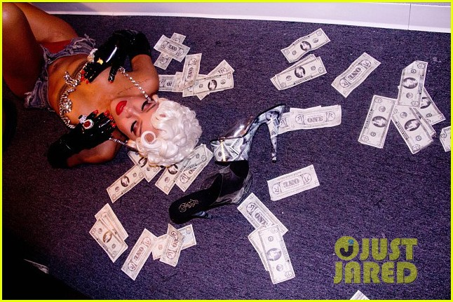 rihanna more pour it up behind the scenes video 08