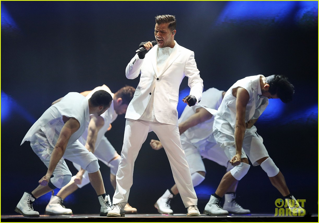ricky martin hits the stage in australia 08