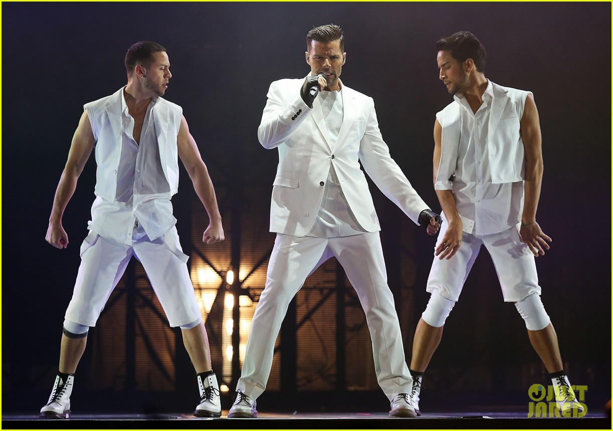 ricky martin hits the stage in australia 10