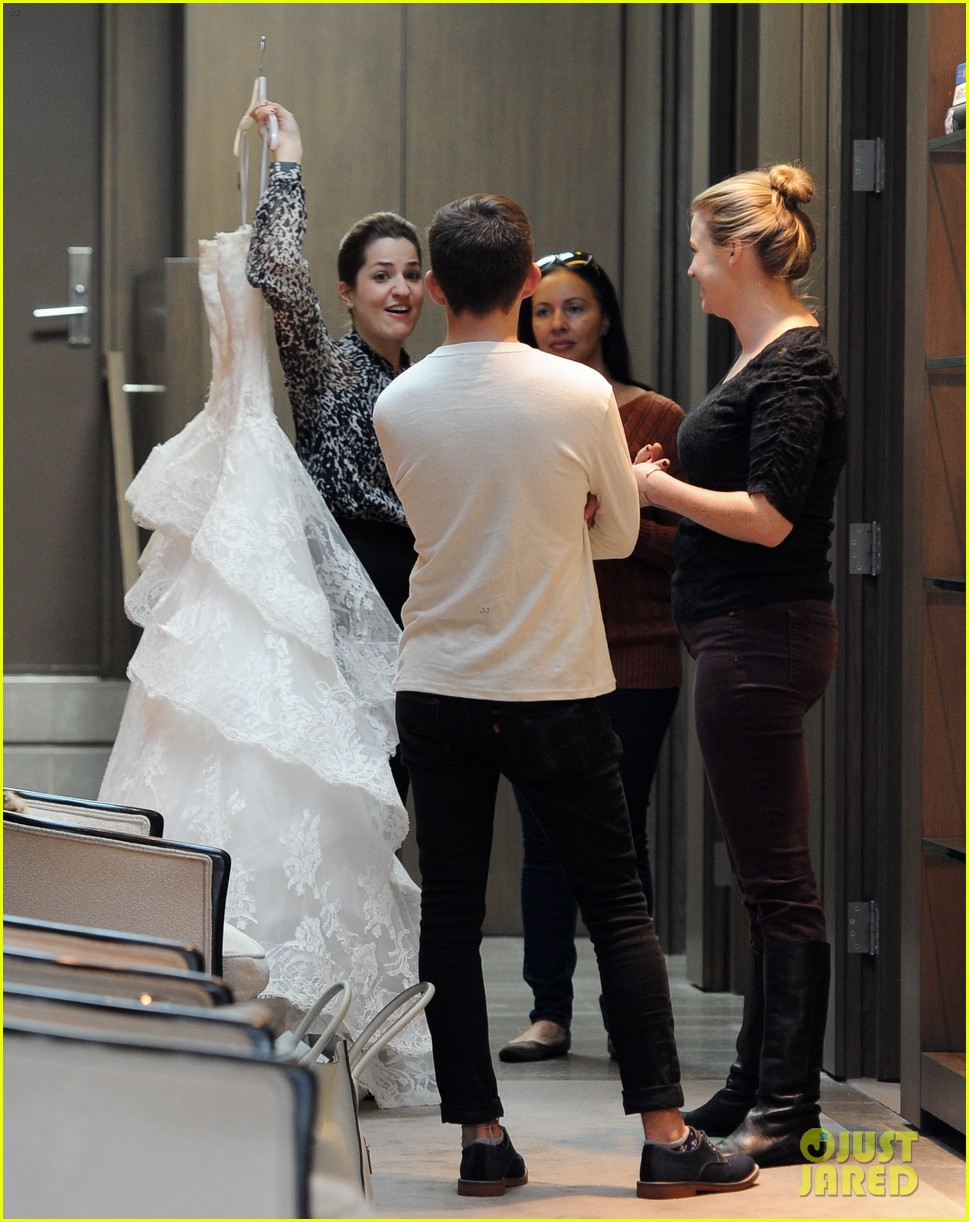 naya rivera goes wedding dress shopping with kevin mchale 032970785