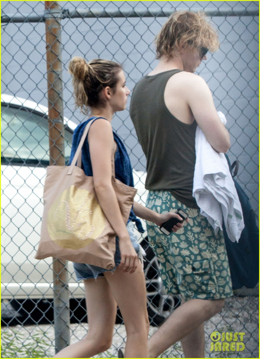 emma roberts evan peters new american horror story tonight 04
