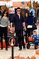 robin thicke paula patton smooches pumpkin patch 01