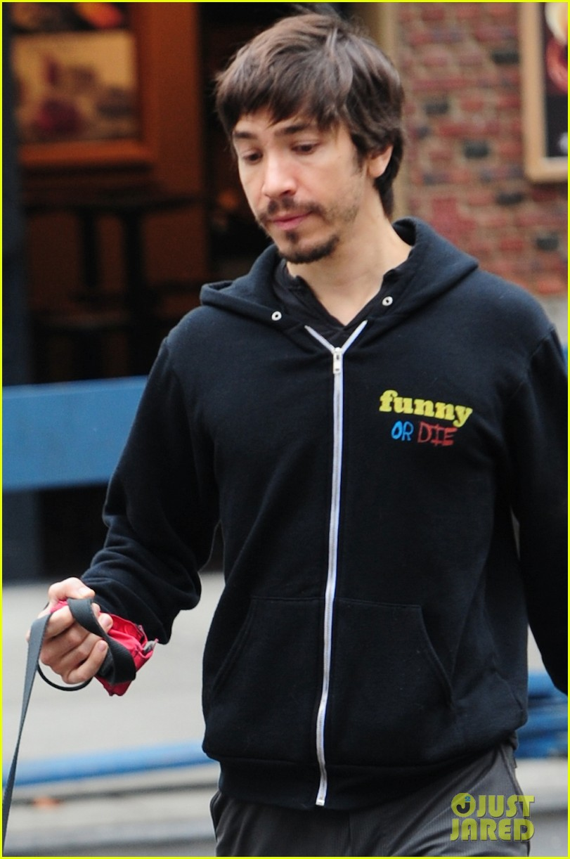 amanda seyfried justin long walk finn after gym 022971397