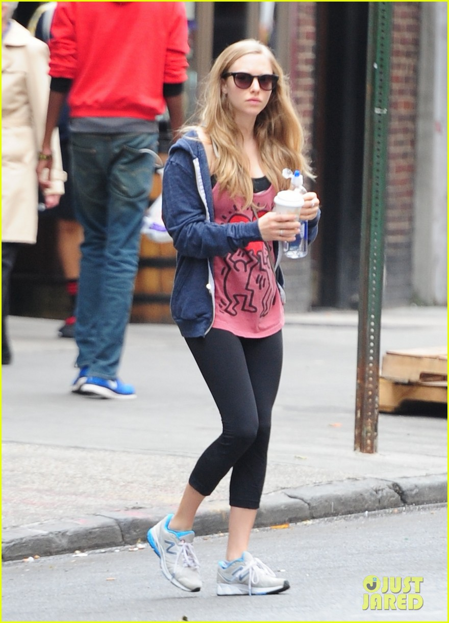 amanda seyfried justin long walk finn after gym 03