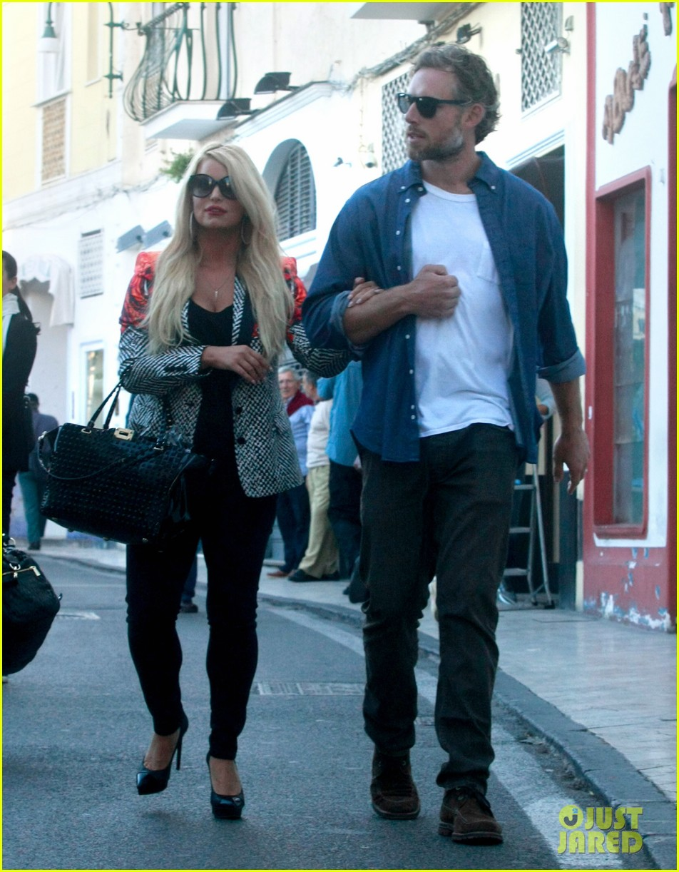 jessica simpson eric johnson continue wedding scouting 11