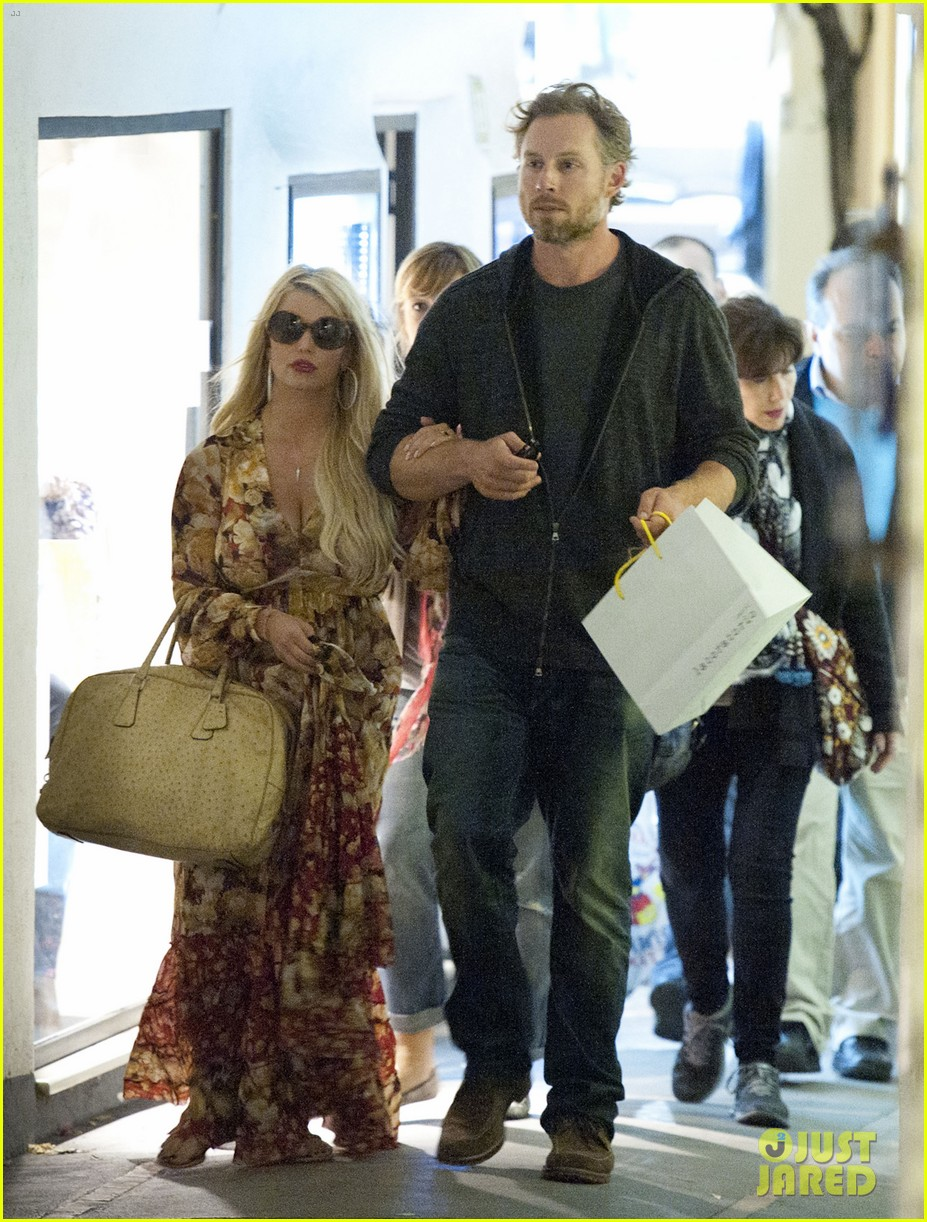 jessica simpson eric johnson in capri prepping wedding 182973245