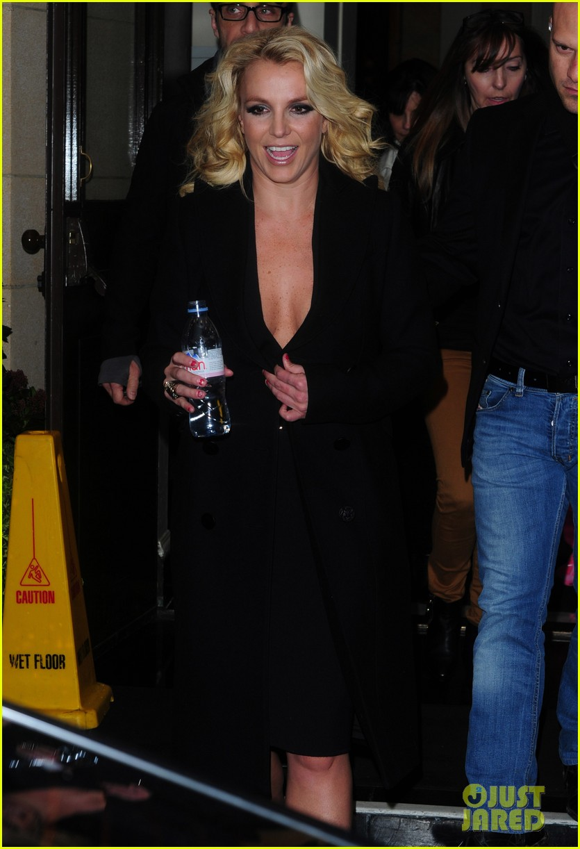 britney spears tapes chatty man appearance in london 062973213