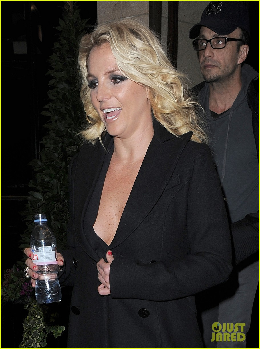 britney spears tapes chatty man appearance in london 18