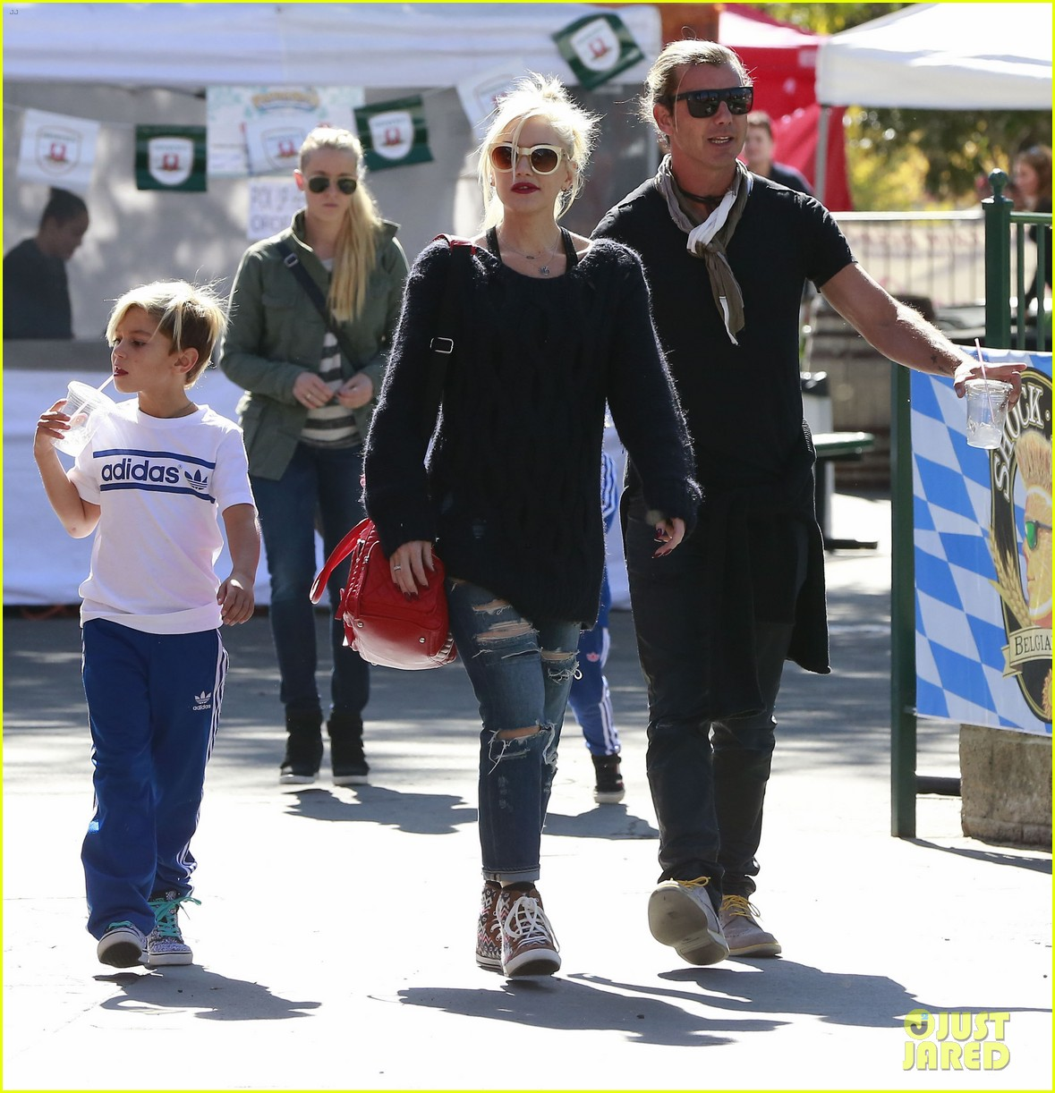 gwen stefani gavin rossdale lake arrowhead with the kids 032972266